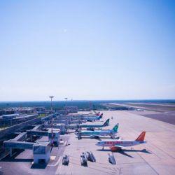 Aeroporto_Bari_esterno_pista