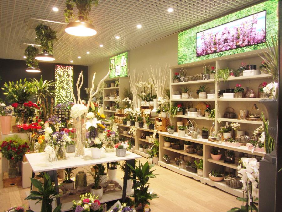 Aménagement d'un espace de vente de fleurs – Conception et réalisation VALIN