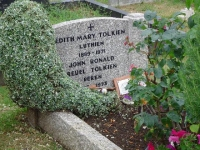 Túmulo de J. R. R. Tolkien e Edith Bratt