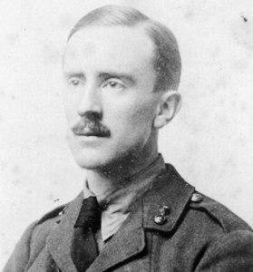 O jovem tenente Tolkien em 1916