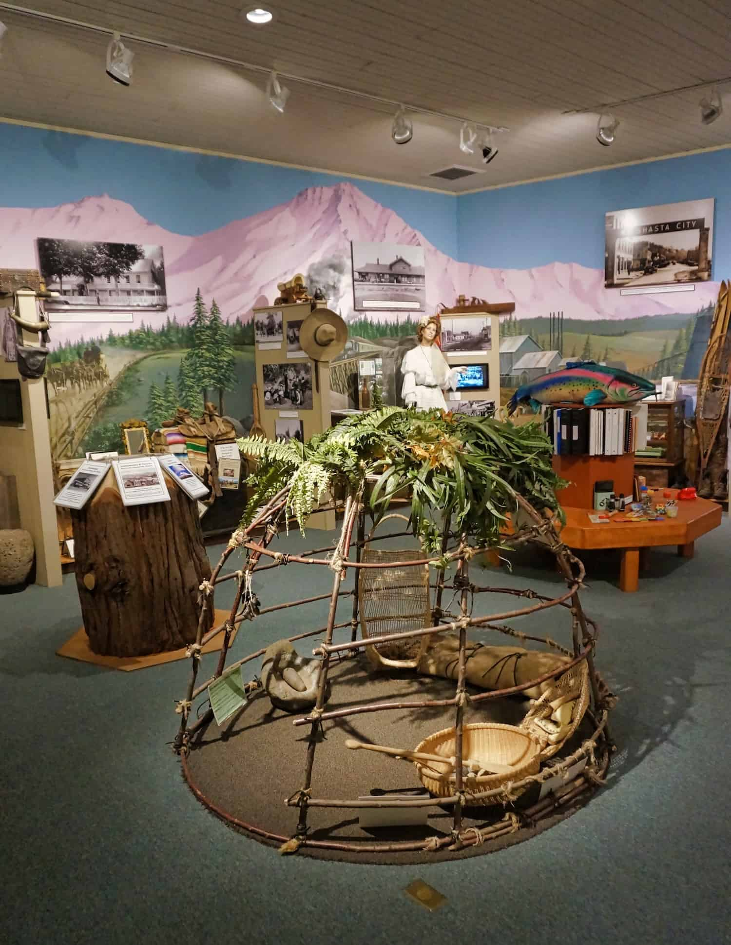 3 Days in Siskiyou County - Mt Shasta Sissou Museum