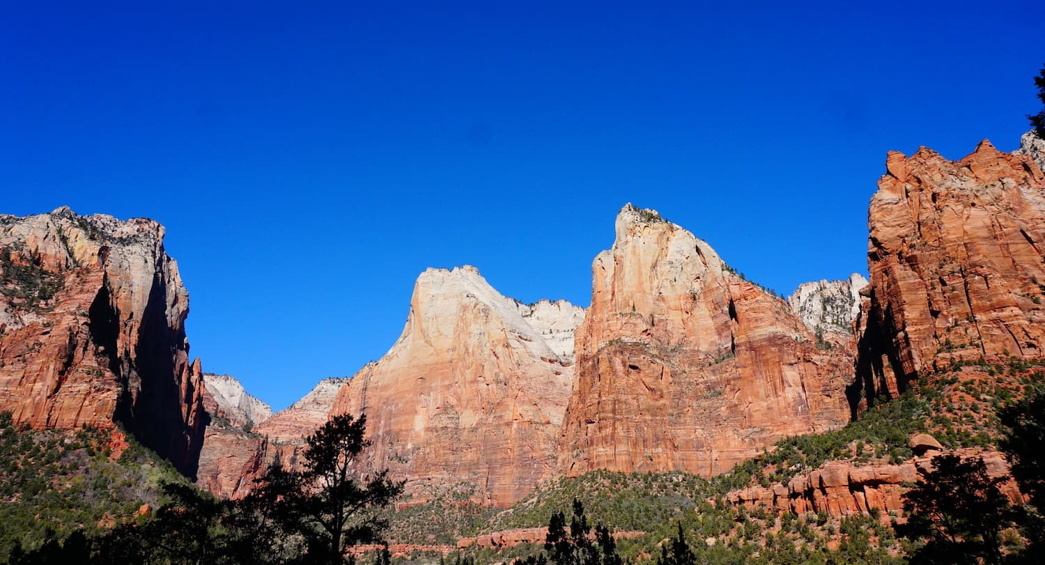 1 Day in Zion National Park - Three Patriarchs