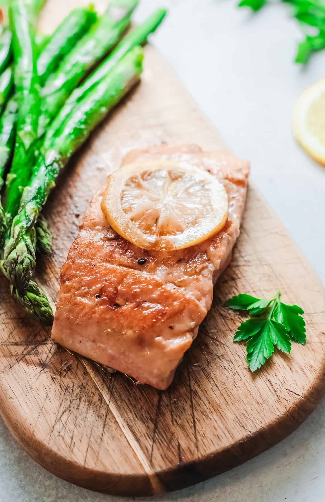 Alaskan Grilled Salmon with Lemon and Asparagus