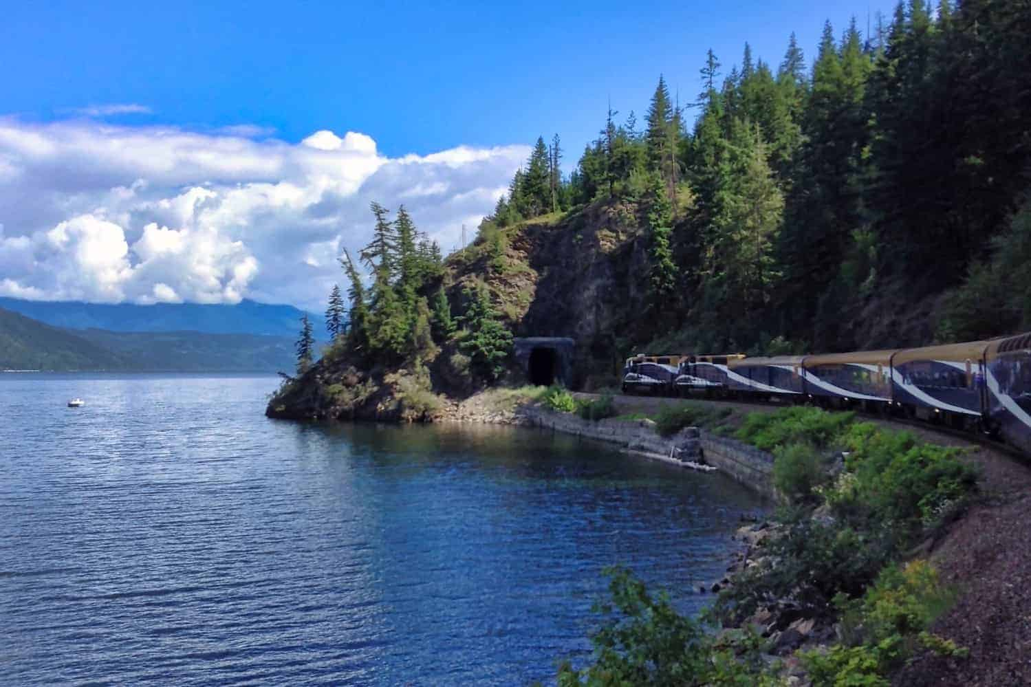 Rocky Mountaineer Review Hero