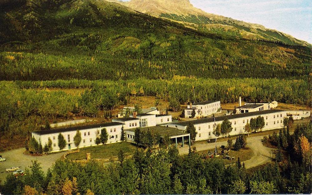 McKinley Park Hotel - Exterior
