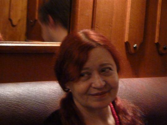 La poeta Lu Menezes.