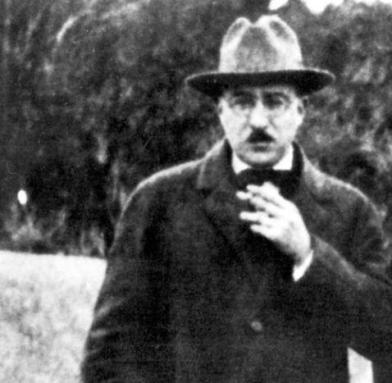 El poeta Fernando Pessoa.