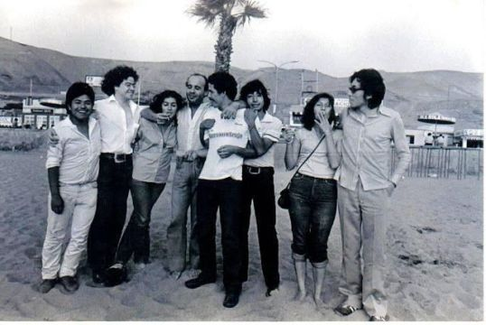 Parte del Movimiento Kloaka con varios de sus miembros en Lima.