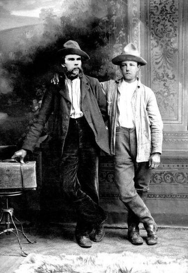 Una relación cercana de la que se ha dicho mucho. los poetas (izq.) Paul Verlaine y (der.) Arthur Rimbaud en Bruselas, 1873