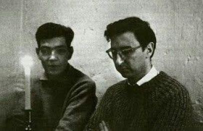 Los escritores argentinos Julio Cortázar (izq.) y Arnaldo Calveyra (der.).
