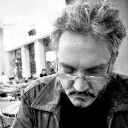 El poeta Javier Galarza