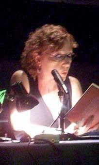 La poeta Mónica Tracey