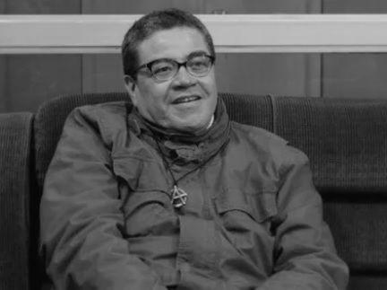 El poeta Roger Santiváñez