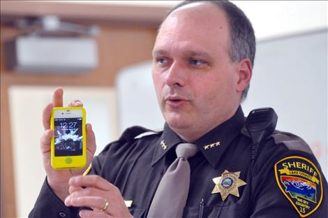 Valley Journal: Undersheriff delivers social media safety tips