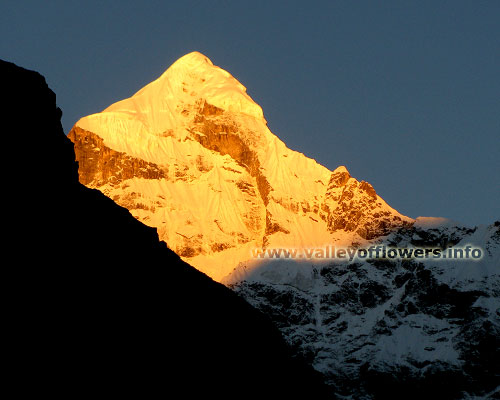 Nilkantha Peak - True Golden color