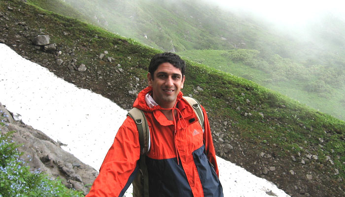 One the way back from Hemkund Sahib, In first week of July 2007.