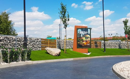 landscaping south east, Valley Provincial, corporate planting, corporate landscaping, London commercial landscaping, company landscaping, grounds management