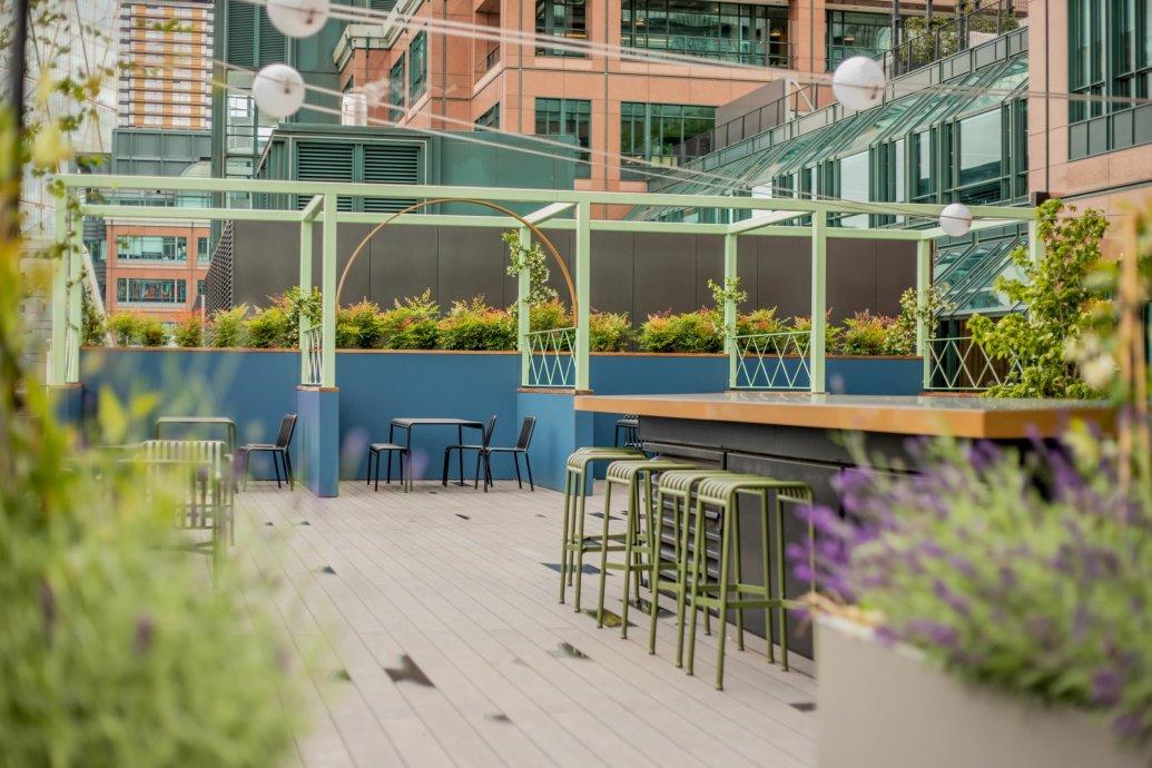 Roof Garden, green offices, landscaping contractor, Valley Provincial, Roof Garden installer, Terrace installation, podium landscaping, London