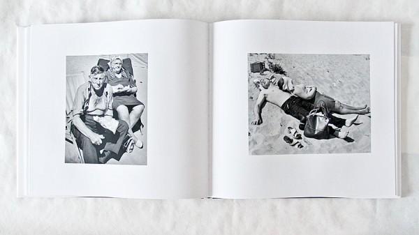 Martin Parr kuvasi myöhemmin rantaelämää väreissä ja ironisesti.