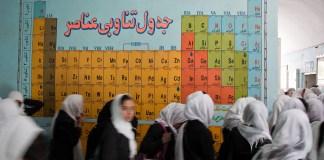 Tabla periódica, Escuela Secundaria Experimental en Herat, Afganistán