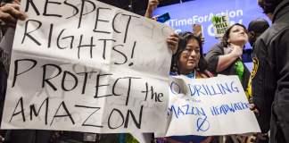 Manifestantes ante COP25