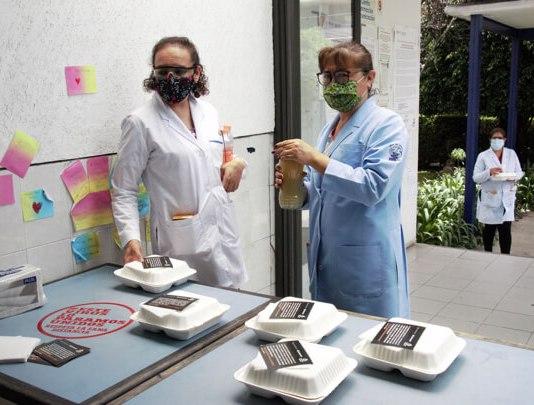 Santander dona 125 mil alimentos calientes al personal médico del Sector Salud