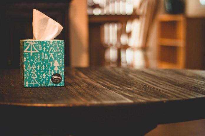 Kimberly-Clark removerá plástico de cajas de pañuelos Kleenex