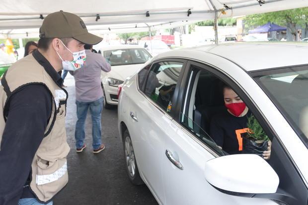 'Drive Thru Ecológicos' de Escobedo en Nuevo León impulsa cultura de reciclaje