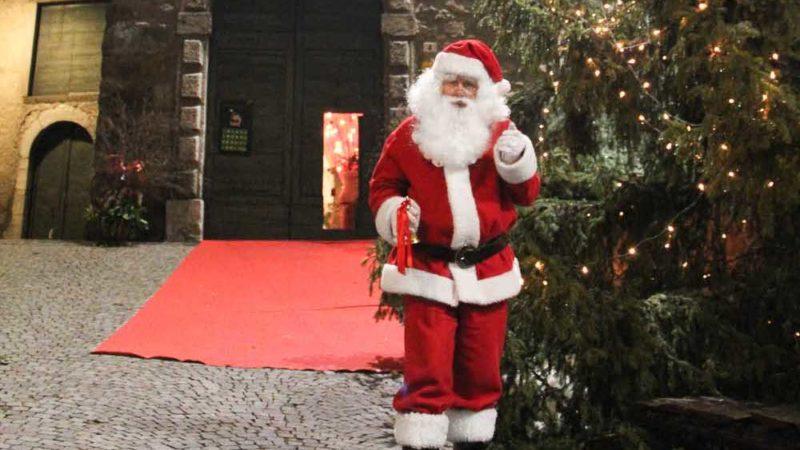 Non pensiate che i bimbi si siano annoiati! Babbo Natale Torna In Val Seriana Da Novembre La Casa Bergamasca E A Gromo Valseriana News