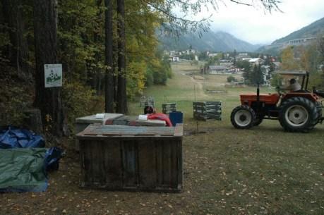 """Foto dei lavori in corso a Beaulard, condivise dalla pagina Facebook """"Beaulard ski"""""""