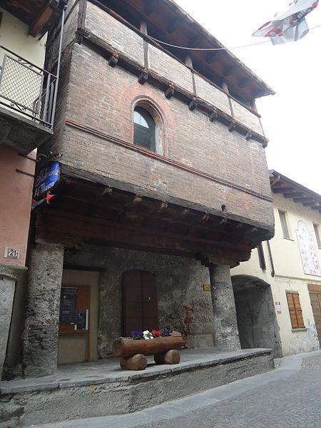 450px-Bussoleno_TO_Casa_Aschieris