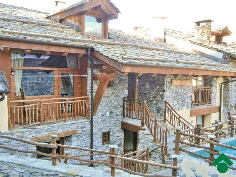 Case In Pietra Di Montagna : Case di montagna in legno e pietra rivestimenti in legno massello