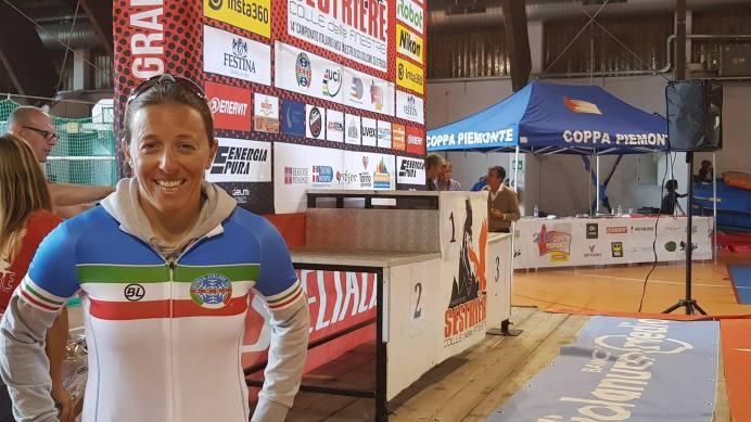 Camilla Alfieri con la Maglia tricolore Maestri di Sci