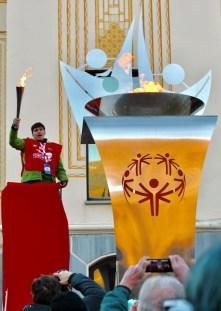 Accensione del braciere olimpico. (Foto Gian Spagnolo)