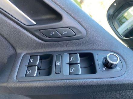 Volkswagen-Golf-2.0-TDI-140CV-DPF-5p.-Highline-8-1