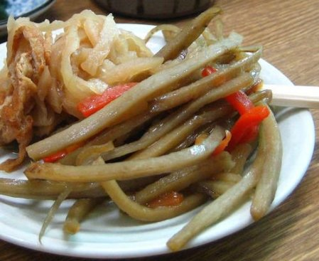 Recipe with fried burdock root and boiled dried daikon