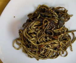 Linguine with cuttlefish and cuttlefish ink sauce