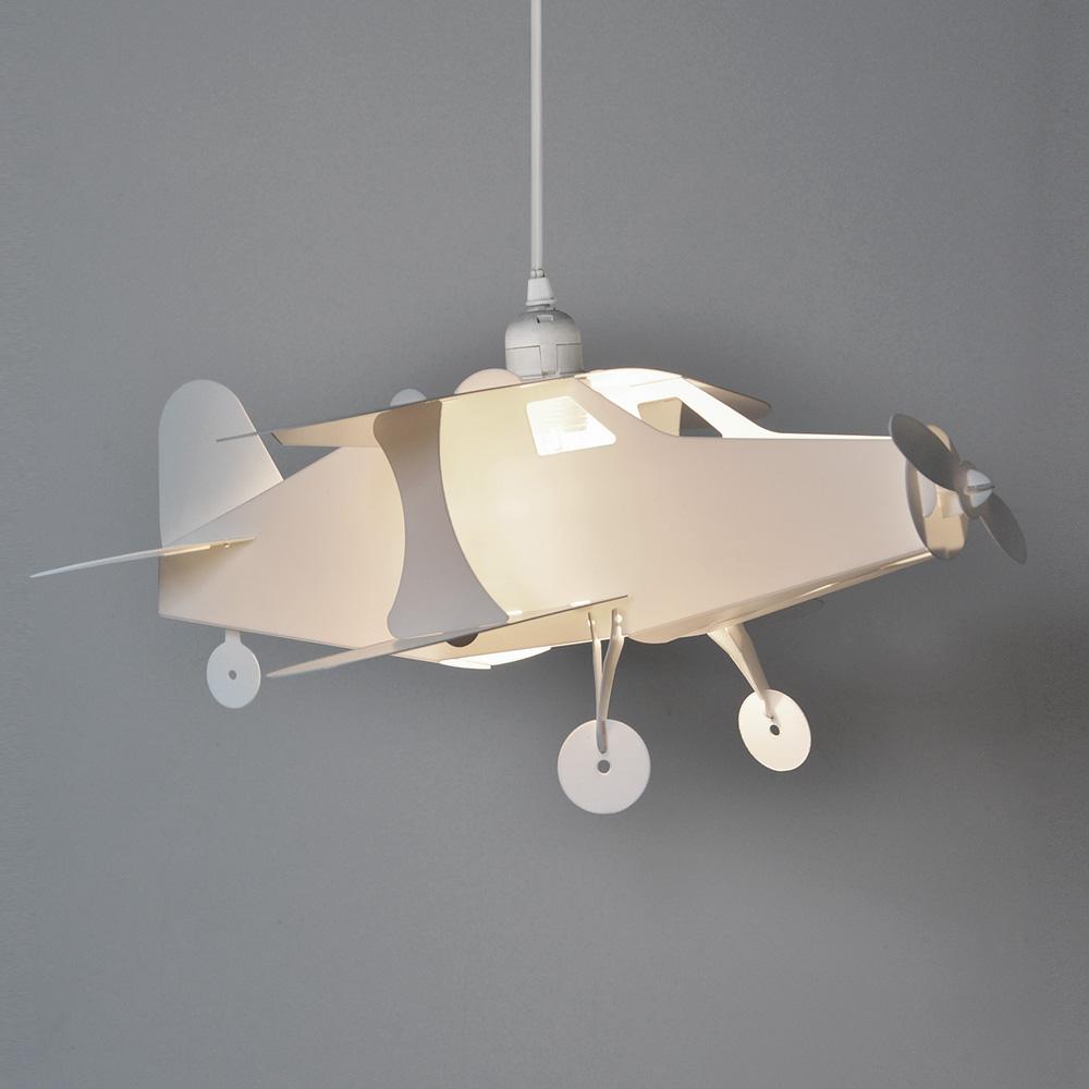 Lamp Shade Attaches Light Bulb