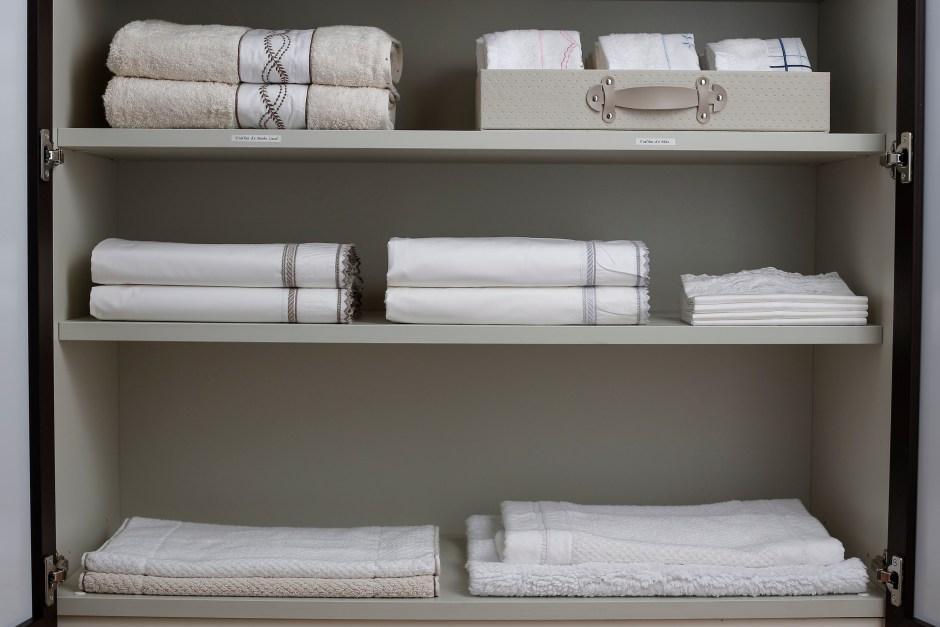 caixas organizadoras para toalhas e roupas de cama