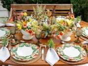 Mesa com louça Caju da Vestindo a Mesa para almoço no jardim!