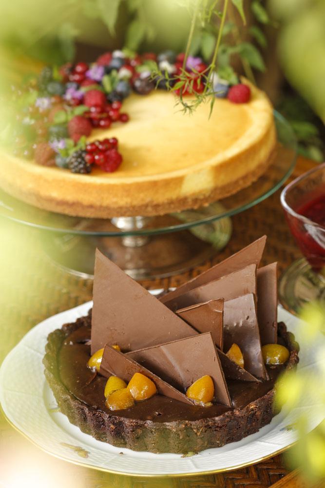 Torta de brigadeiro com copota de laranjas por Buffet Zest
