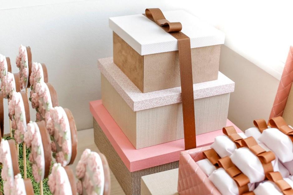 caixas rosas