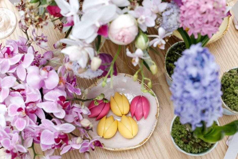 chocolates em formato de tulipas de Claudia Eid