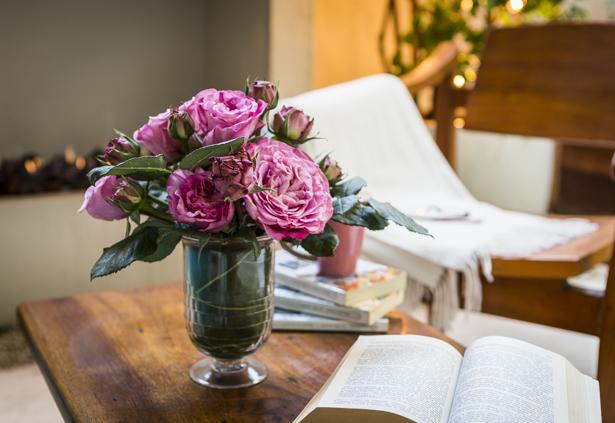 rosas especiais em vaso de cristal