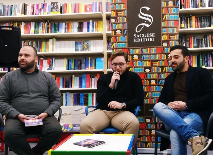 Lino Grimaldi e Francesco Saggese alla presentazione del libro La vita allo specchio