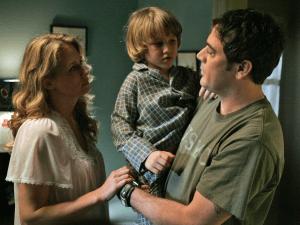 Samantha Smith e Jeffrey Dean Morgan nei ruoli di Mary e John Winchester nella prima stagione di Supernatural