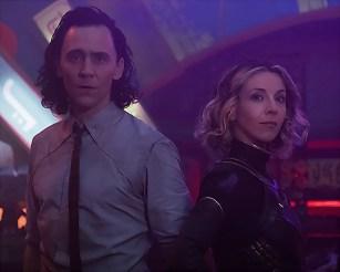 Tom Hiddleston and Sophia Di Martino in Loki (2021)