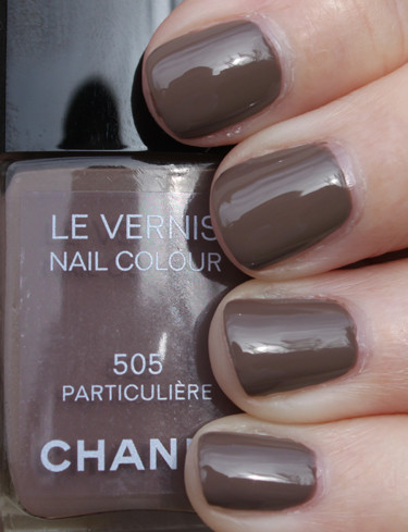 https://i1.wp.com/www.vampyvarnish.com/wp-content/uploads/2010/01/Chanel-Particuliere.jpg