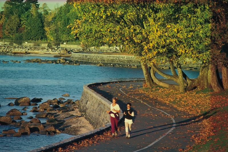 Five beautiful fall walks in  to take with the kids in Vancouver