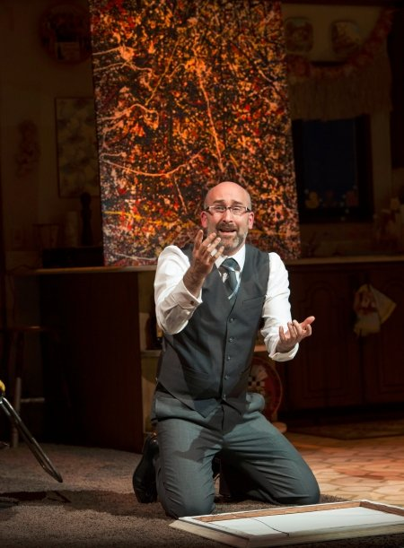 Jonathan Monro as aesthete, Lionel Percy. Photo by David Cooper.